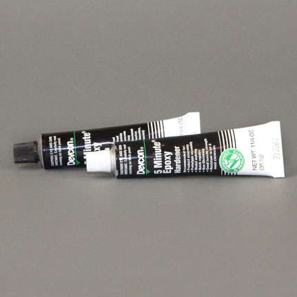 ITW Polymers Adhesives Devcon 5 Minute Epoxy Adhesive 2.5 oz Tube Kit